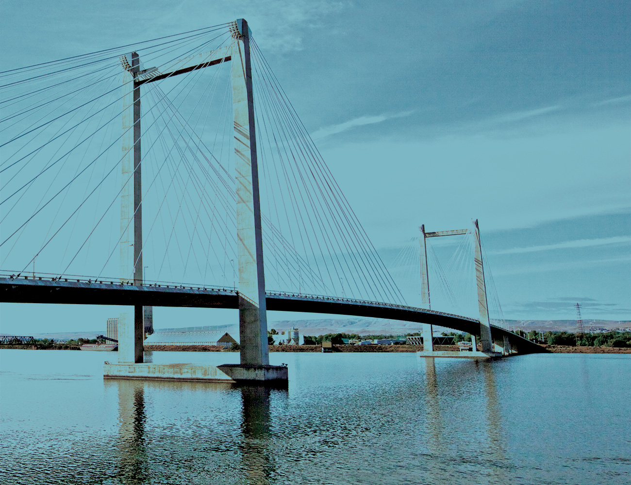 Cable bridge from Pasco side